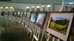 Paintings portray royal retreat