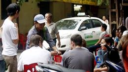 Foreign travelers in Hanoi apprehensive of theft